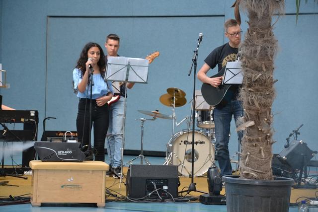 Band (4)
